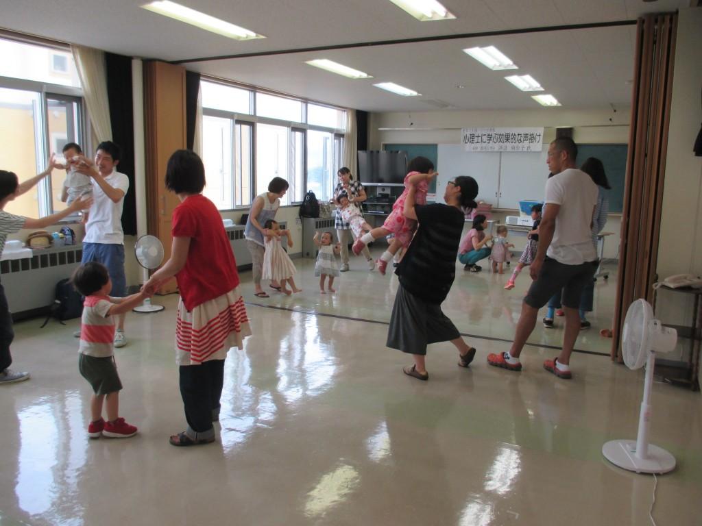 親子リズム遊び (6)